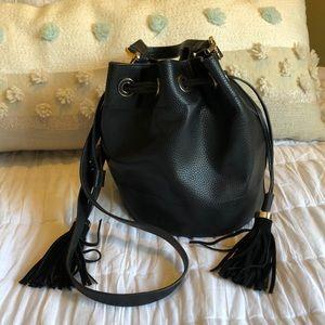 Zara Bucket Bag w Suede Tassels